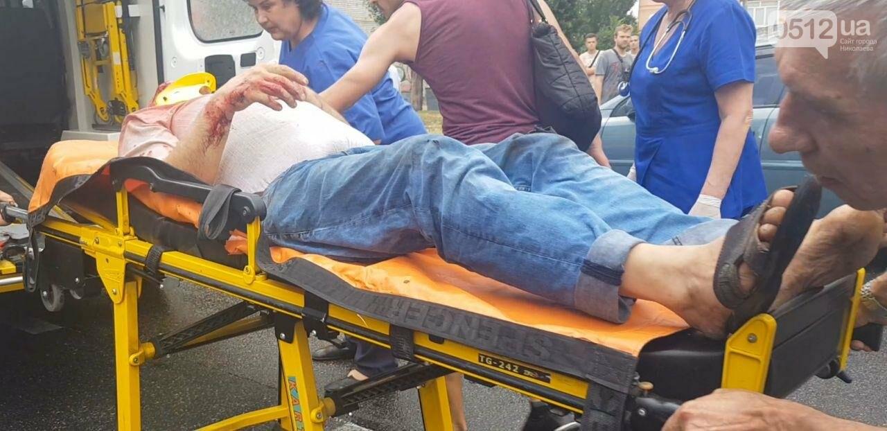 В центре Николаева Chevrolet сбил пешехода - пострадавшего госпитализировали, - ФОТО, ВИДЕО, фото-7
