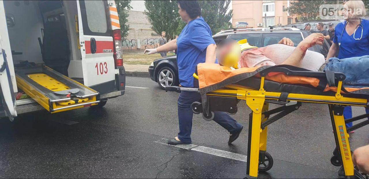 В центре Николаева Chevrolet сбил пешехода - пострадавшего госпитализировали, - ФОТО, ВИДЕО, фото-11