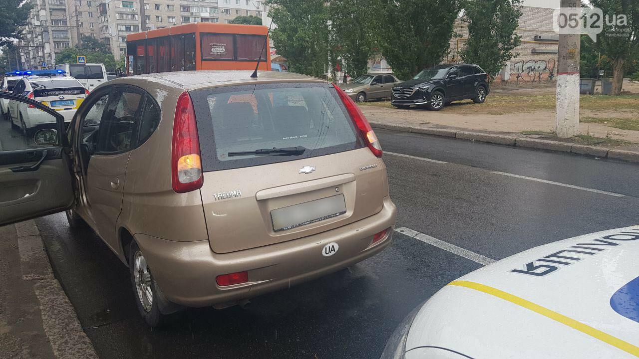 В центре Николаева Chevrolet сбил пешехода - пострадавшего госпитализировали, - ФОТО, ВИДЕО, фото-1