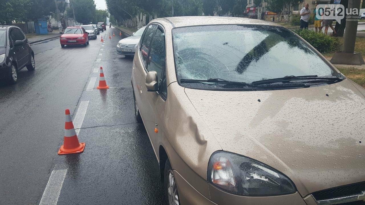 В центре Николаева Chevrolet сбил пешехода - пострадавшего госпитализировали, - ФОТО, ВИДЕО, фото-3