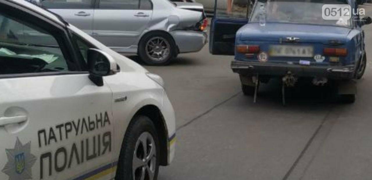 В Николаеве столкнулись ВАЗ и Mitsubishi, - ФОТО, фото-1