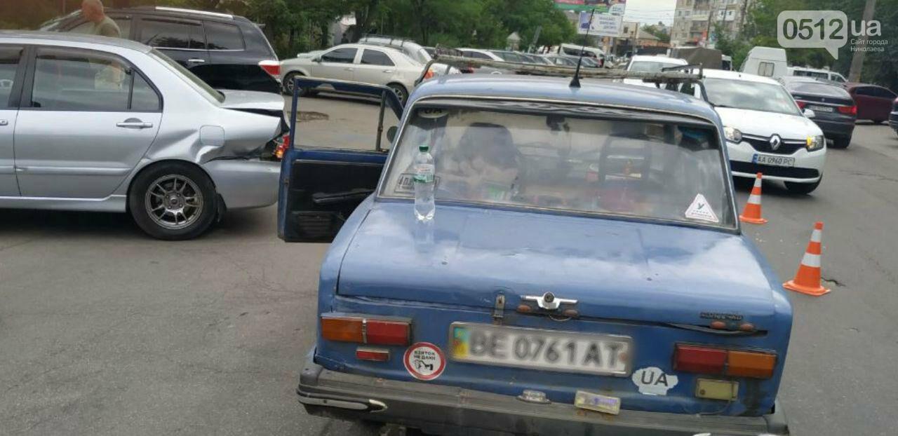В Николаеве столкнулись ВАЗ и Mitsubishi, - ФОТО, фото-4