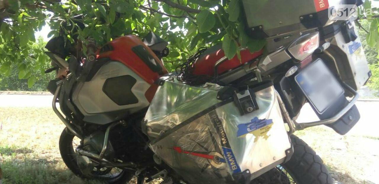 "На Николаевщине мотоцикл ""влетел"" в ""ВАЗ"", - ФОТО, фото-2"