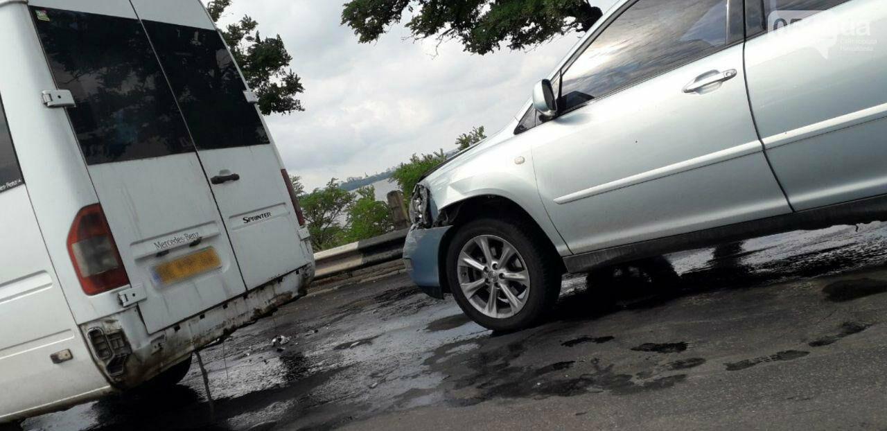 На Варваровском мосту произошло два ДТП, - ФОТО, фото-1