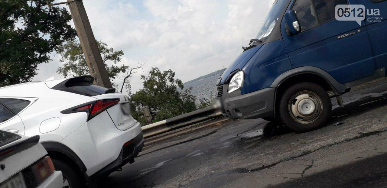 На Варваровском мосту произошло два ДТП, - ФОТО, фото-4