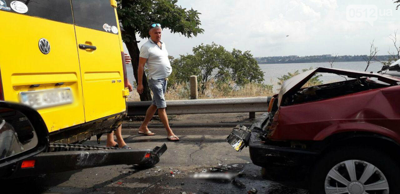 На Варваровском мосту произошло два ДТП, - ФОТО, фото-2