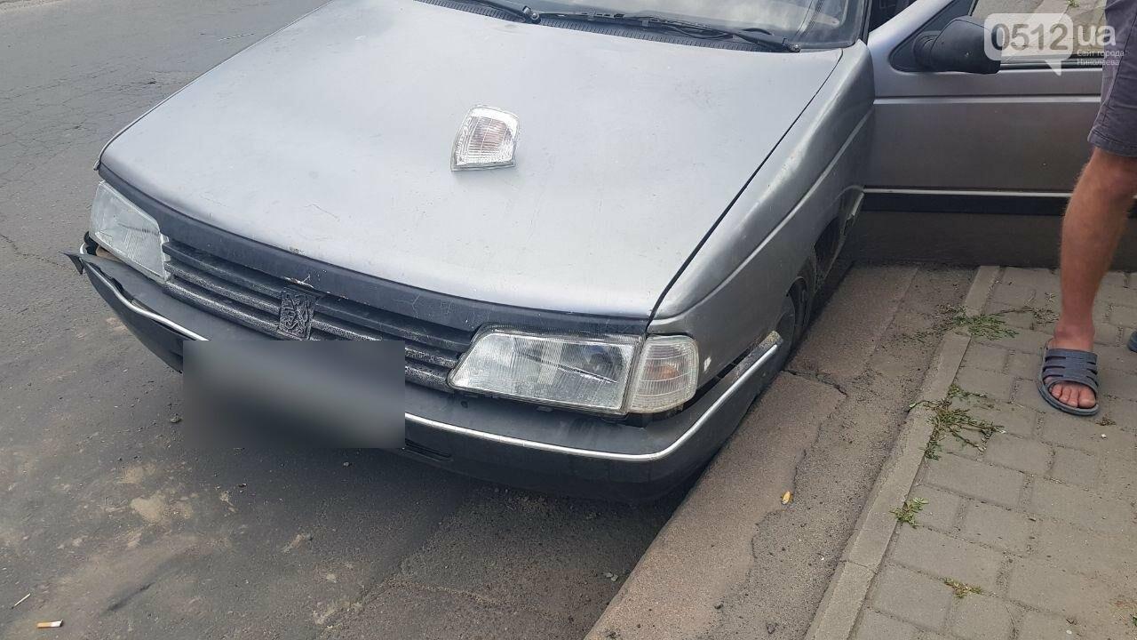 Водитель Peugeot, столкнувшийся в Николаеве напротив клуба, оказался пьян, - ФОТО, ВИДЕО, фото-3
