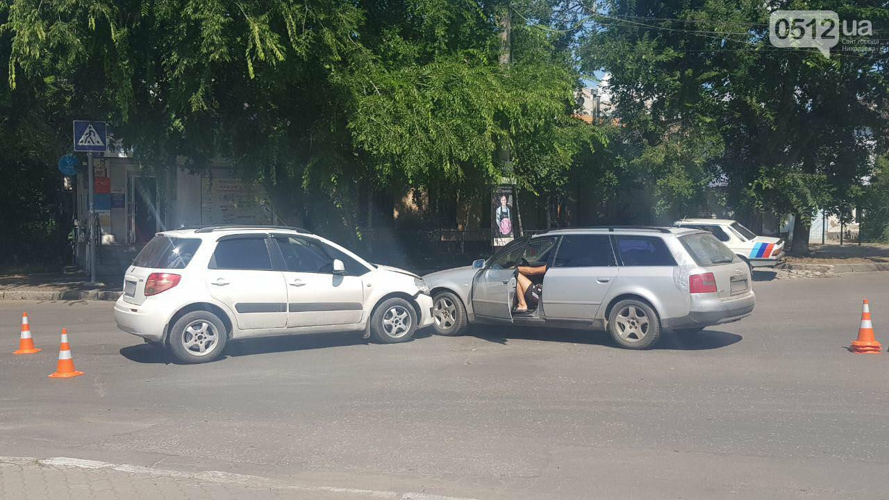"""В Николаеве возле """"Каприки"""" столкнулись две иномарки, - ФОТО, ВИДЕО, фото-3"""