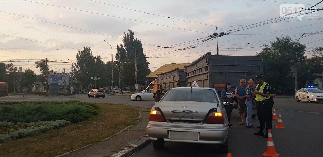 В Николаеве на Пушкинском кольце КамАЗ столкнулся с Daewoo, - ФОТО, фото-1
