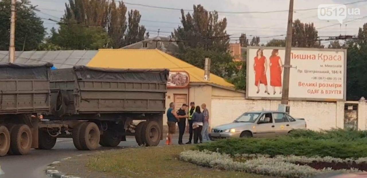 В Николаеве на Пушкинском кольце КамАЗ столкнулся с Daewoo, - ФОТО, фото-5