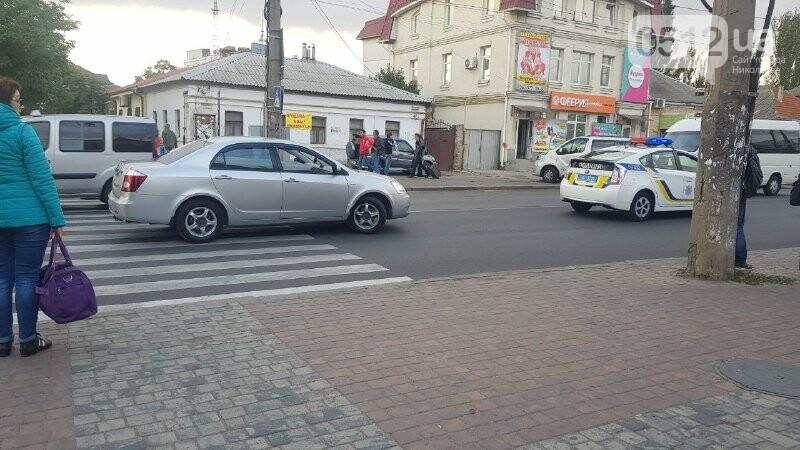 В Николаеве автомобиль на пешеходном переходе сбил девушку с ребенком, - ФОТО, фото-3