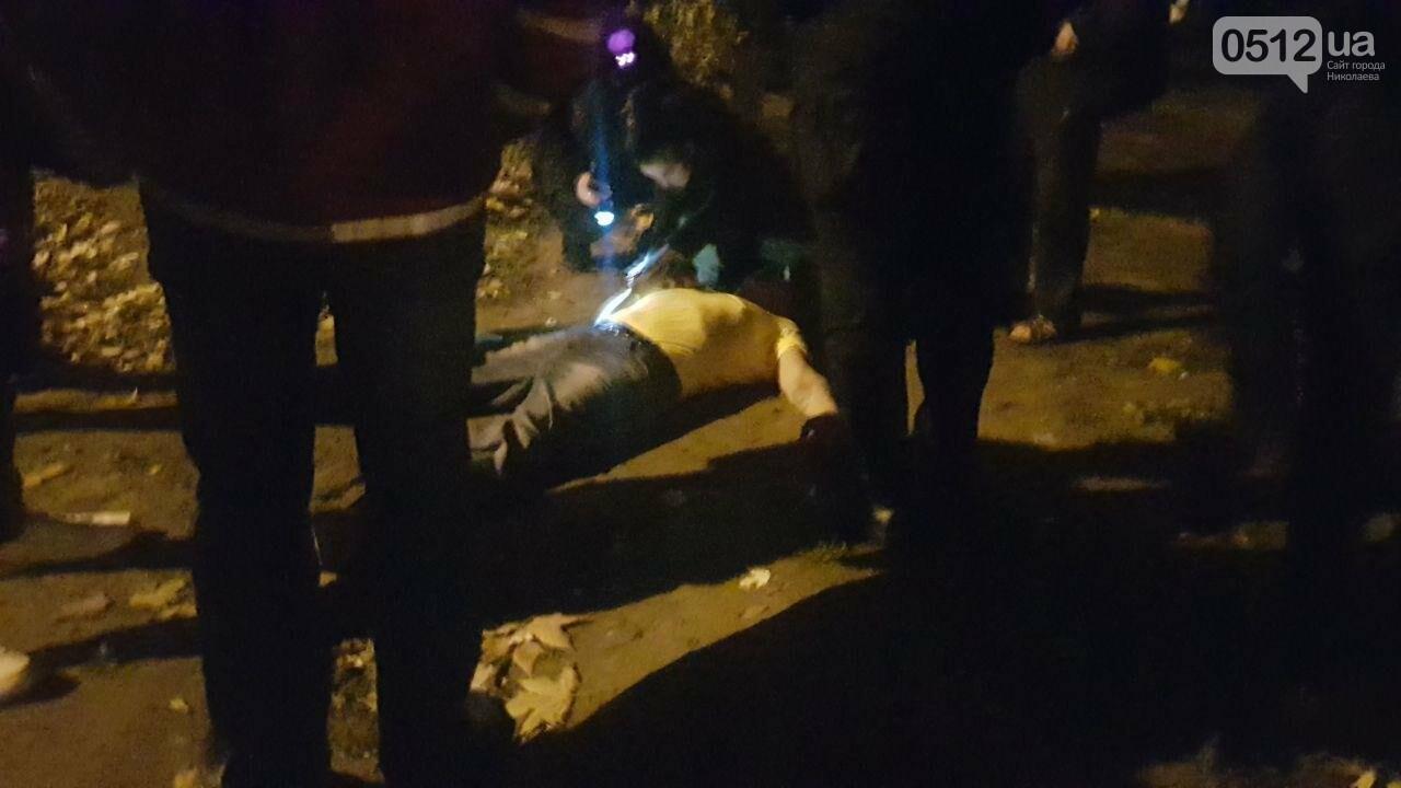 Ночью в Николаеве патрульные обнаружили мужчину в неадекватном состоянии, - ФОТО, ВИДЕО, фото-3