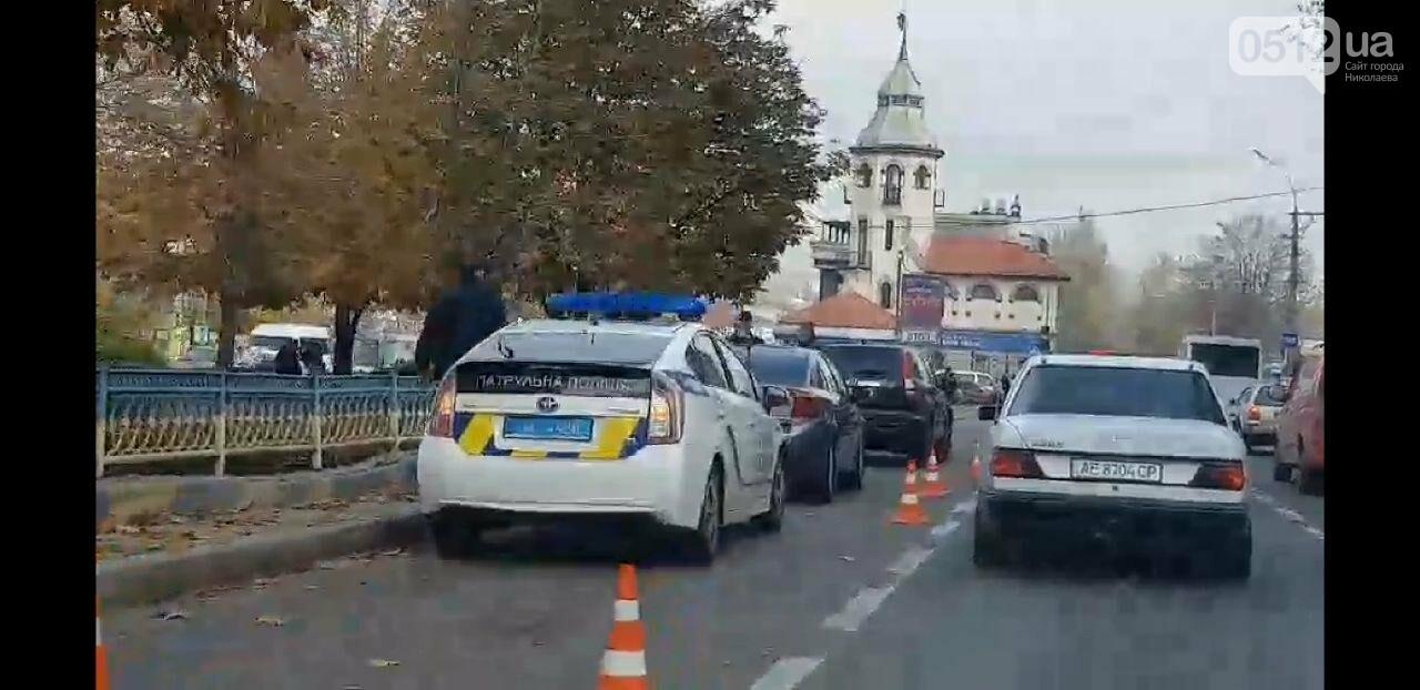 В Николаеве на Центральном проспекте столкнулись две иномарки, - ФОТО, фото-4