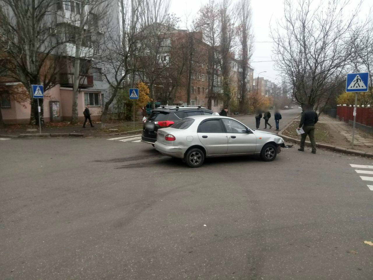 "В Николаеве столкнулись ""Toyota"" и ""Daewoo Lanos"", - ФОТО , фото-1"