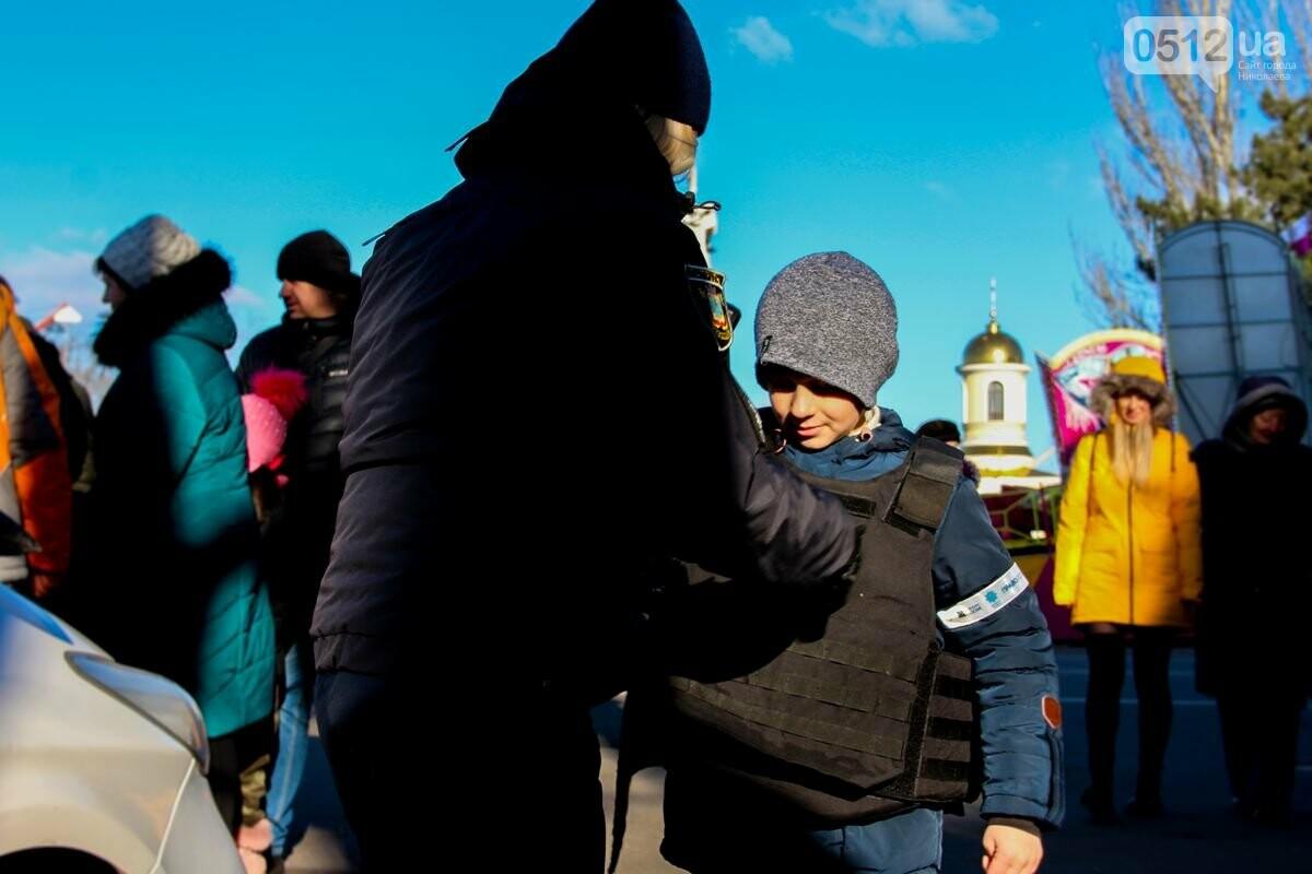 Николаевские патрульные традиционно отметили Рождество с горожанами, - ФОТОРЕПОРТАЖ, фото-5