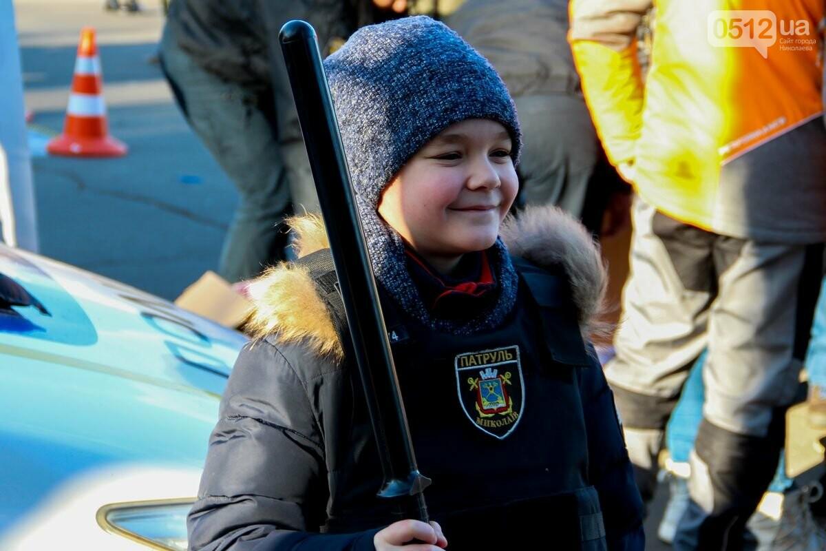 Николаевские патрульные традиционно отметили Рождество с горожанами, - ФОТОРЕПОРТАЖ, фото-10