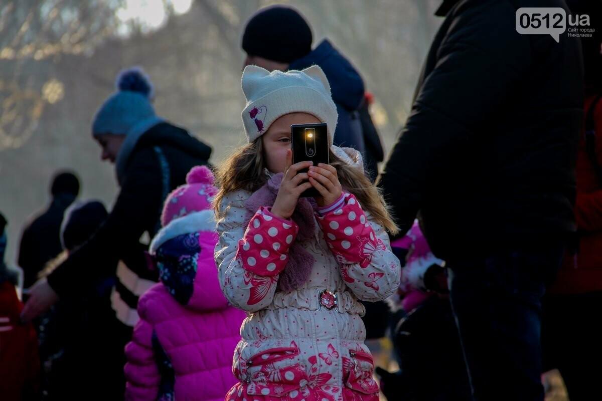 Николаевские патрульные традиционно отметили Рождество с горожанами, - ФОТОРЕПОРТАЖ, фото-13