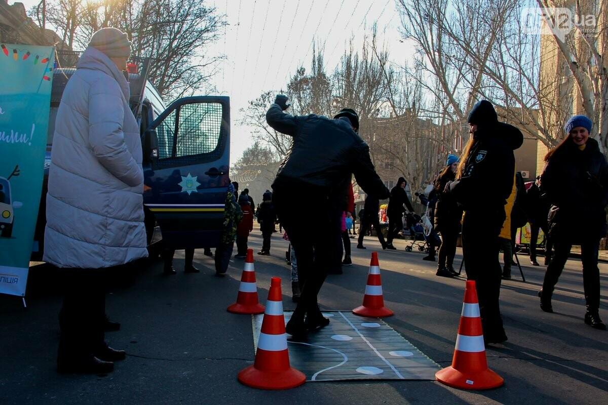 Николаевские патрульные традиционно отметили Рождество с горожанами, - ФОТОРЕПОРТАЖ, фото-11