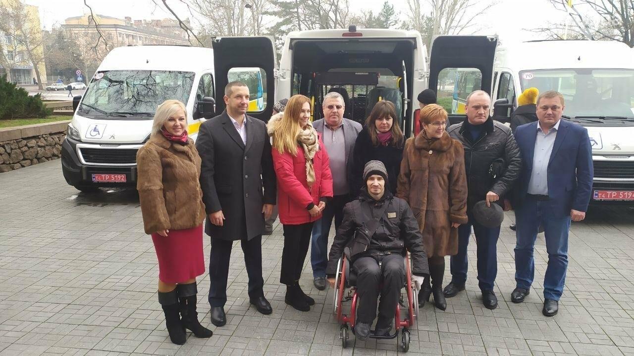 Четырем николаевским общинам передали спецавтомобили для людей с инвалидностью, - ФОТО, фото-11