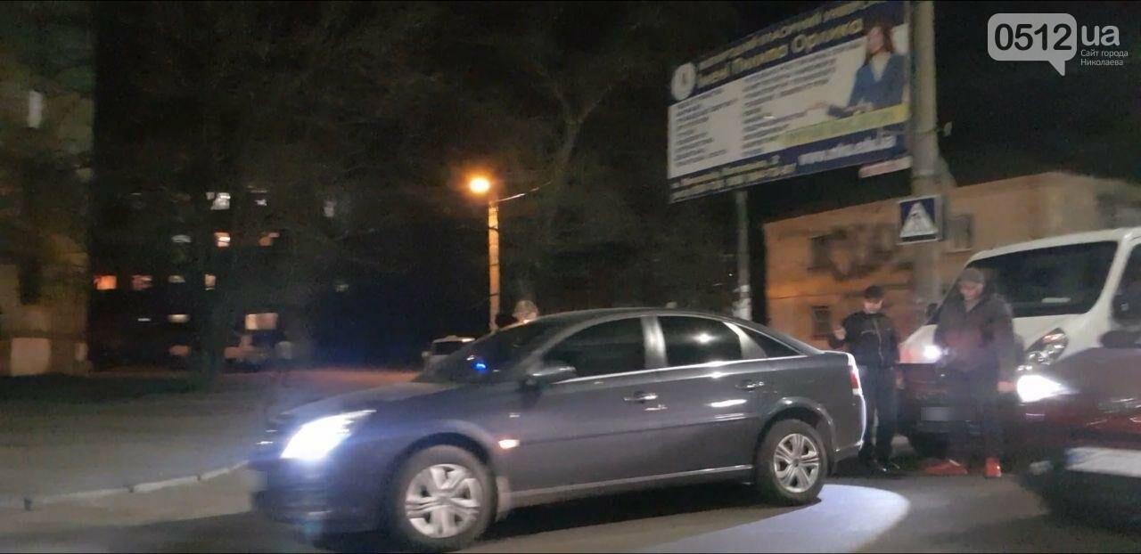 В Николаеве на Карпенко микроавтобус въехал в Opel, - ФОТО, фото-3