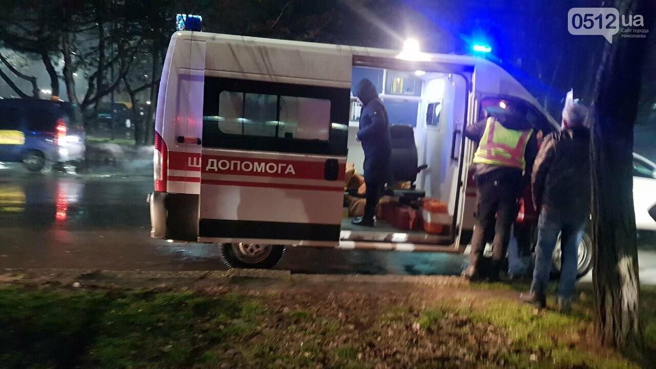В Николаеве Porsche задел авто, сбил двух пешеходов и скрылся, - ФОТО, ВИДЕО, фото-5