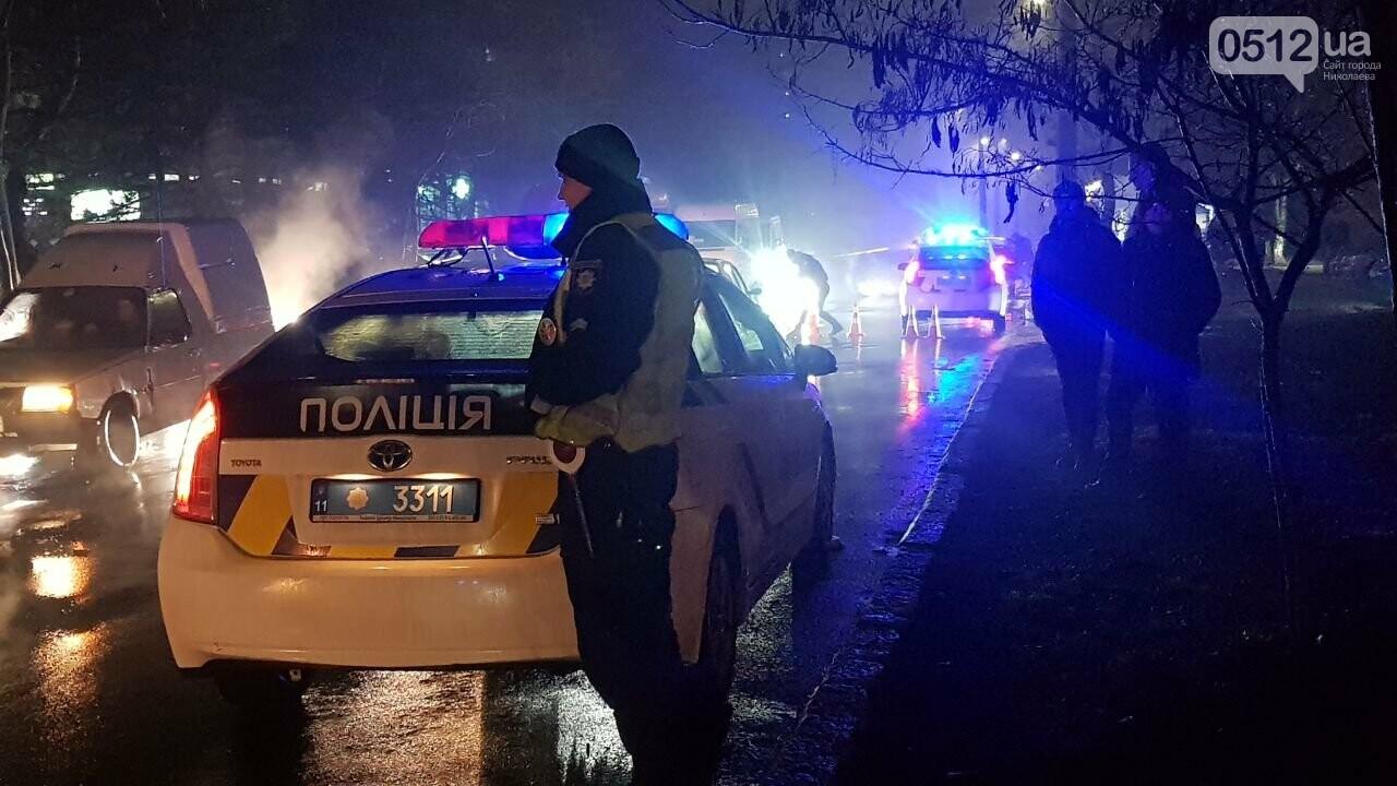 В Николаеве Porsche задел авто, сбил двух пешеходов и скрылся, - ФОТО, ВИДЕО, фото-8