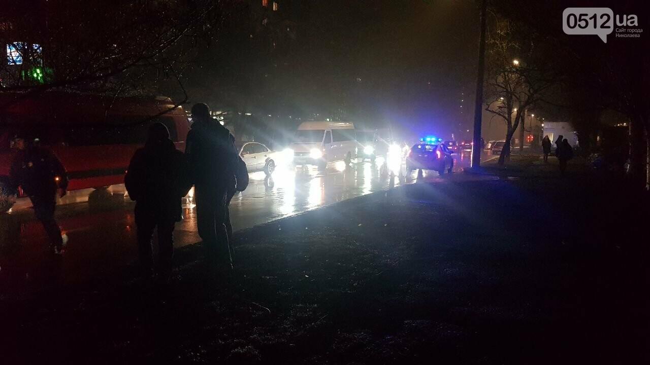 В Николаеве Porsche задел авто, сбил двух пешеходов и скрылся, - ФОТО, ВИДЕО, фото-9