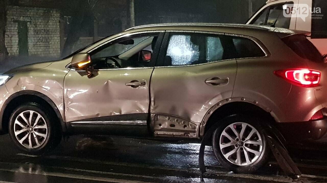 В Николаеве Porsche задел авто, сбил двух пешеходов и скрылся, - ФОТО, ВИДЕО, фото-6