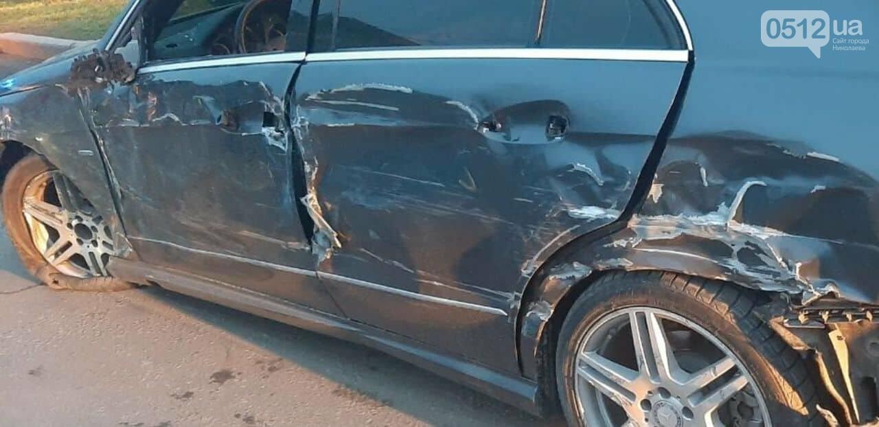 В Николаеве легковушка  врезалась в пассажирский автобус, - ФОТО, фото-1