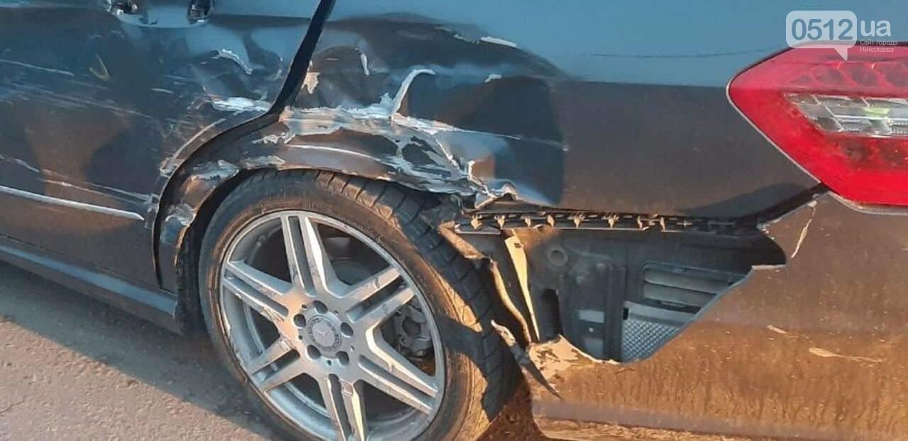 В Николаеве легковушка  врезалась в пассажирский автобус, - ФОТО, фото-2