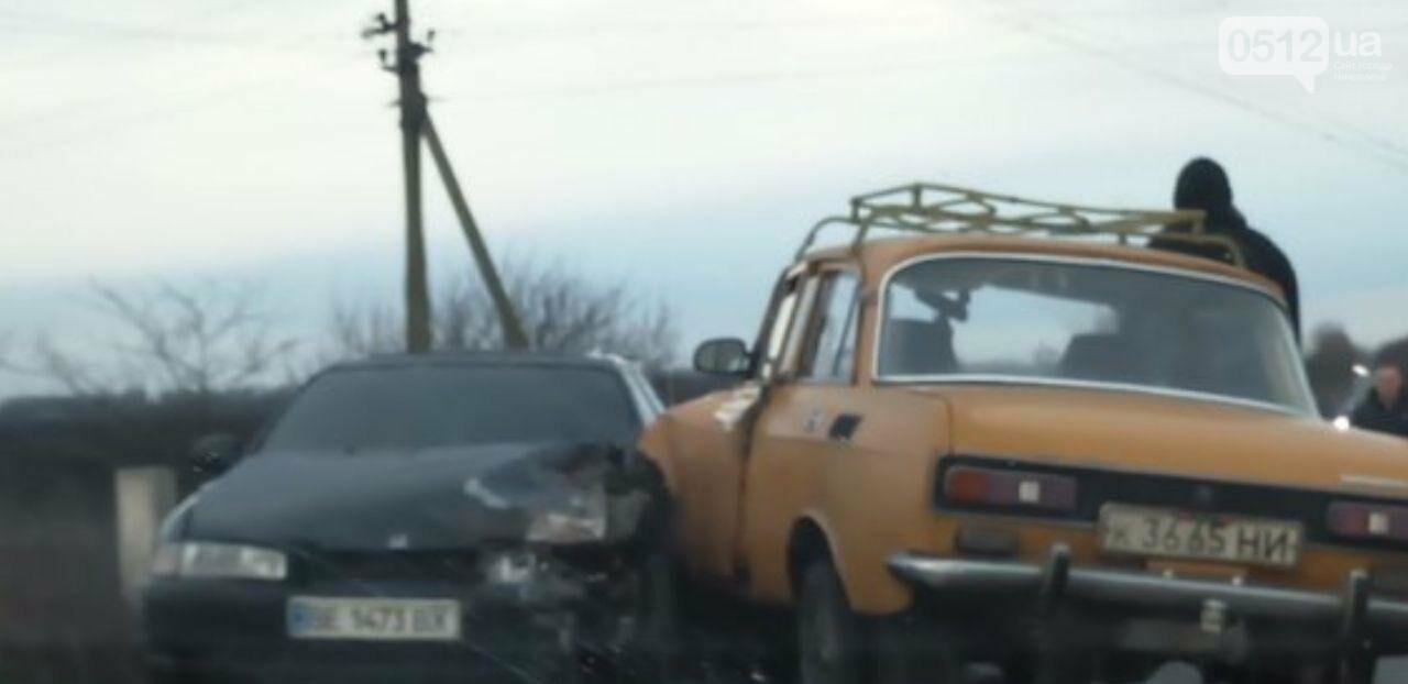 Из-за ДТП под Николаевом полностью заблокирована дорога, - ФОТО, фото-2