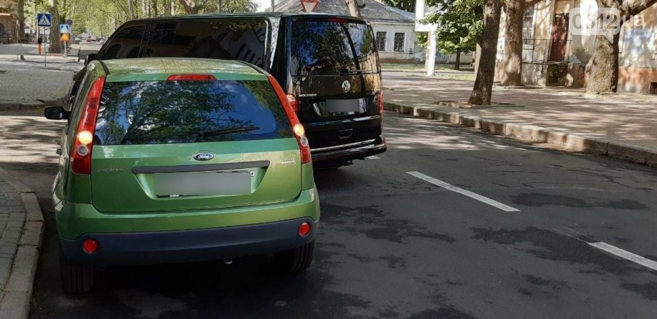 В центре николаева Ford врезался в микроавтобус Volkswagen, - ФОТО, фото-3