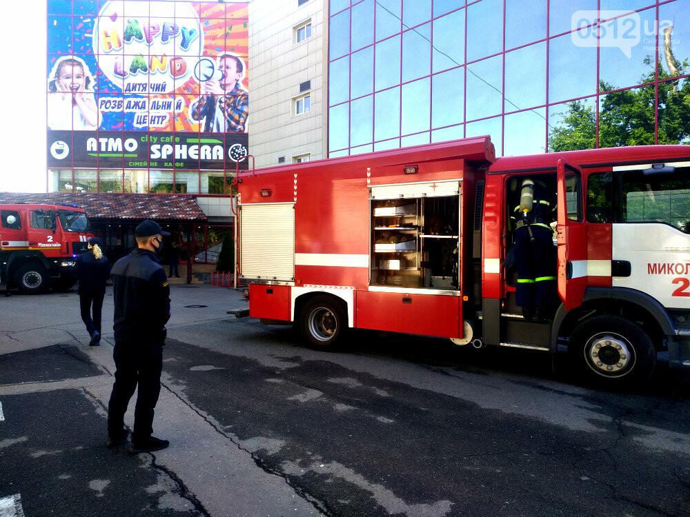 """""""Внимание! Пожар в """"Сити - Центре"""": николаевские спасатели провели тактико-специальные учения - ФОТОРЕПОРТАЖ, фото-4"""