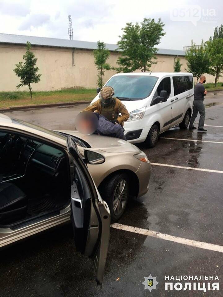 В Николаеве за вымогательство несуществующего долга задержали двух местных жителей, фото-5