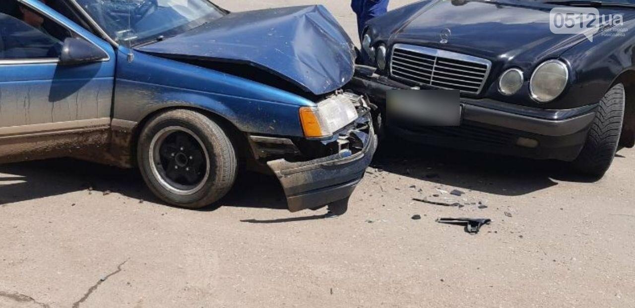 В Николаеве из-за столкновения автомобилей Mercedes и Ford пострадала пассажирка, - ФОТО, фото-3