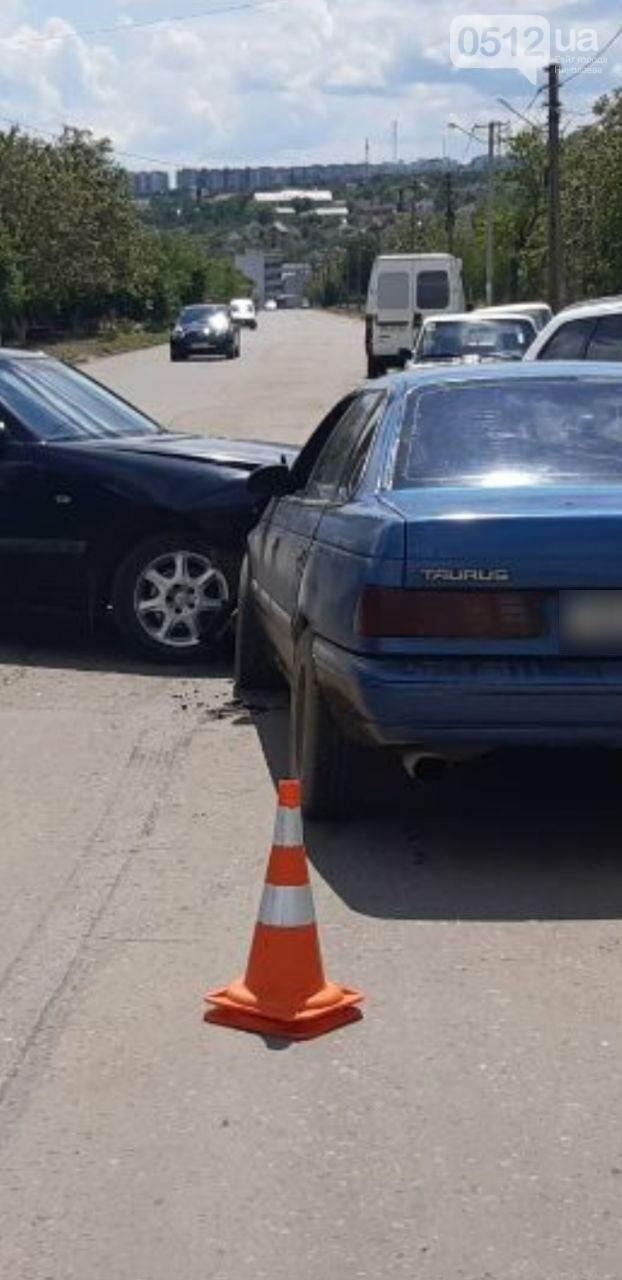 В Николаеве из-за столкновения автомобилей Mercedes и Ford пострадала пассажирка, - ФОТО, фото-4