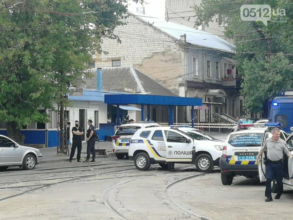 В Николаеве мужчина грозится заминировать салон в центре города: взрывчатку не обнаружили, - ФОТО, фото-3