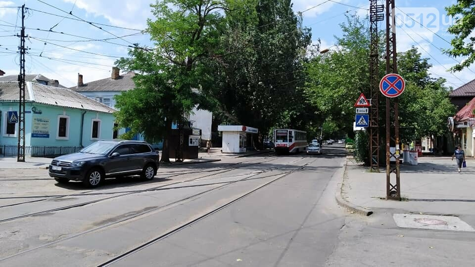В Николаеве мужчина грозится заминировать салон в центре города: взрывчатку не обнаружили, - ФОТО, фото-5