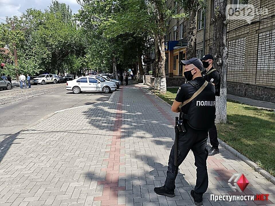 В Николаеве мужчина грозится заминировать салон в центре города: взрывчатку не обнаружили, - ФОТО, фото-7
