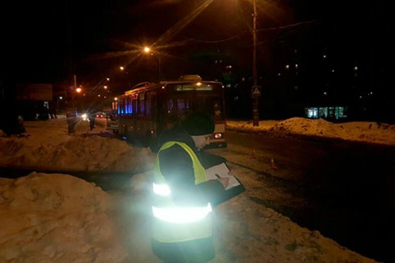 фото мужчина которого переехал троллейбус белгород стрижкой для тех