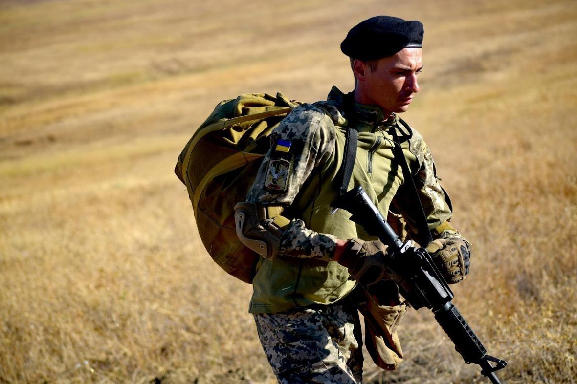 Николаевские морские пехотинцы на учениях в Грузии десантировались с АН-26 (ФОТО), фото-9
