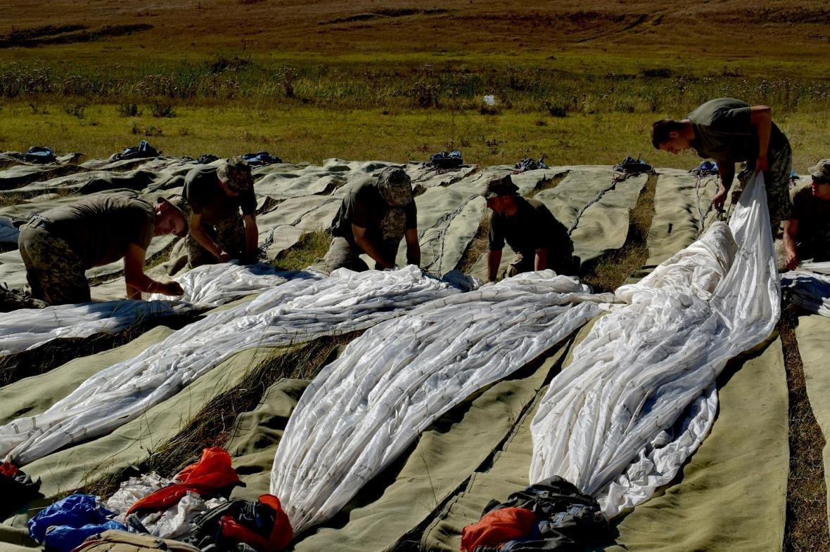Николаевские морские пехотинцы на учениях в Грузии десантировались с АН-26 (ФОТО), фото-5