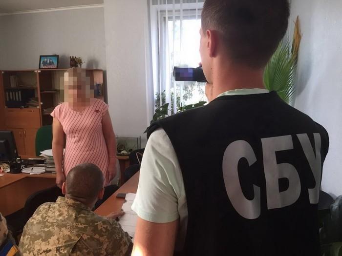 СБУ при получении взятки «с поличным» задержала вице-мэра на Николаевщине, - ФОТО, фото-1