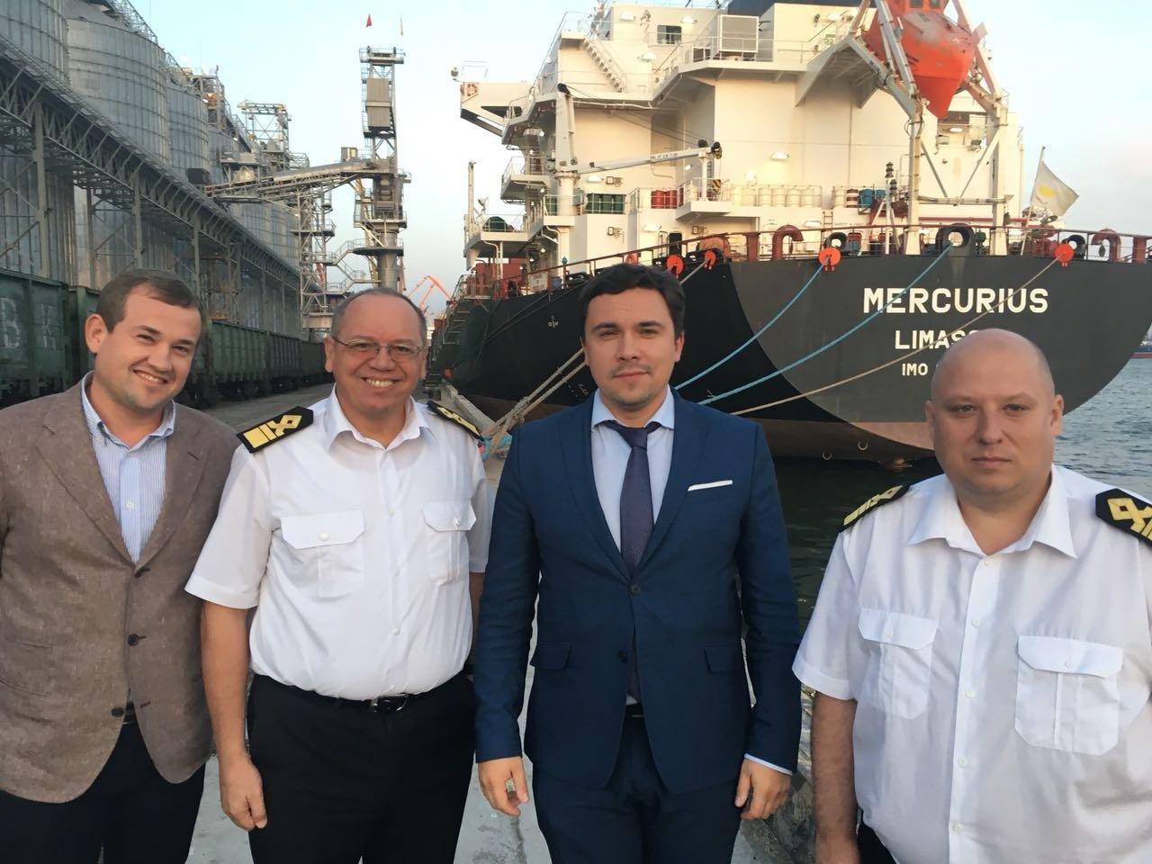 Заместитель министра инфраструктуры Украины посетил Николаевский морской порт, фото-2