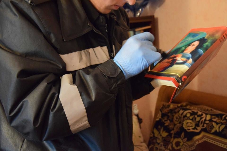 В Николаеве в собственной квартире убили пенсионерку: с ножом в шее ее тело обнаружила сестра, - ФОТО, фото-1