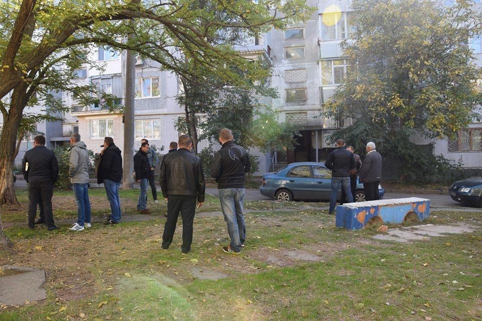 В Николаеве в собственной квартире убили пенсионерку: с ножом в шее ее тело обнаружила сестра, - ФОТО, фото-6