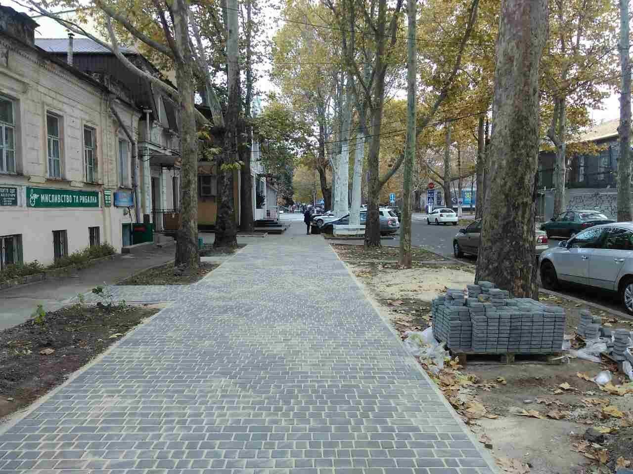В нескольких районах Николаева ремонтируют тротуары, - ФОТО, фото-1