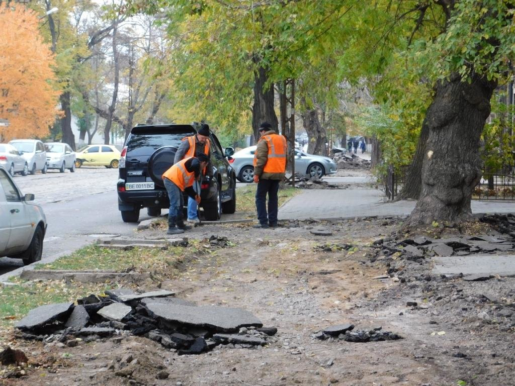 В нескольких районах Николаева ремонтируют тротуары, - ФОТО, фото-4
