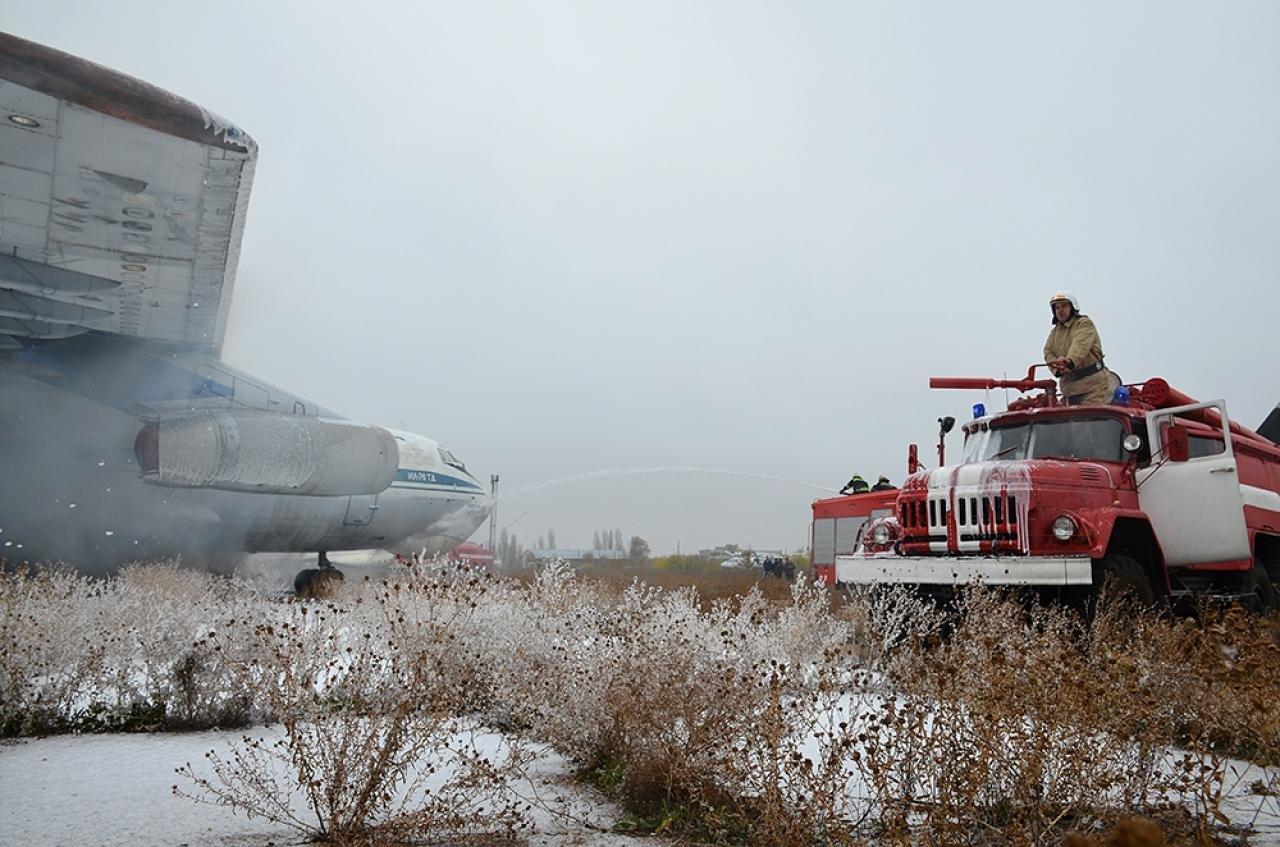 Спасатели провели учения в Николаевском международном аэропорту, - ФОТО, фото-1