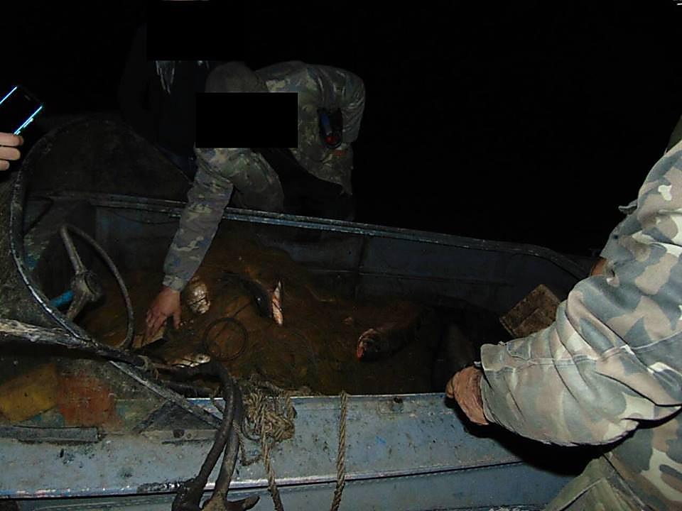 У браконьеров на Николаевщине полиция изъяла крупный улов рыбы, патроны и взрывчатку, - ФОТО, фото-9